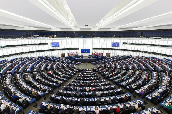 EU determined to follow ridiculous principles to teach Russia democracy