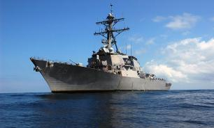 US destroyer approaches Russian patrol boat
