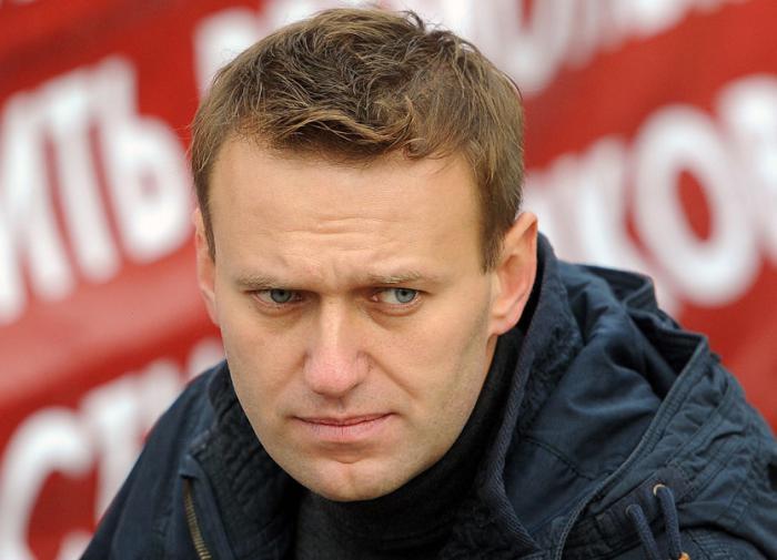 Alexei Navalny poisoned with tea in Siberia