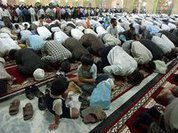 Muslims paralyze Moscow for religious holidays