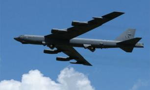 Three US nuclear-capable bombers fly towards Russian border