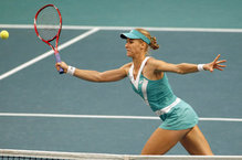 Elena Dementieva Wins in Paris