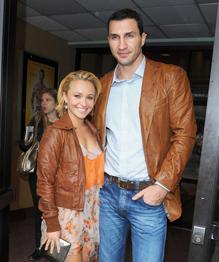 Wladimir Klitschko proposes to Hayden Panettiere