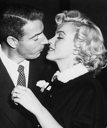 Marilyn Monroe's plastic secrets to be auctioned