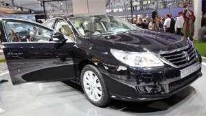 Renault Latitude Unveiled at Moscow International Motor Show