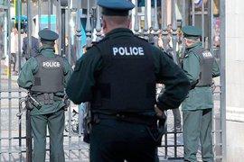 В Пенсильвании копы жестоко арестовали уличного певца. Видео