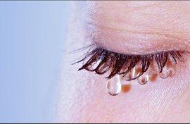 Слезы нам помогают выздороветь душой
