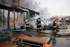 Мощнейший пожар на деревообрабатывающем заводе в Пушкине