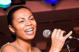 Гостьей музыкального проекта Pravda.Ru ФАНО_ТЕКА стала известная певица Софи Окран