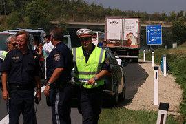 Грузовик с телами задохнувшихся беженцев обнаружен в Нижней Австрии