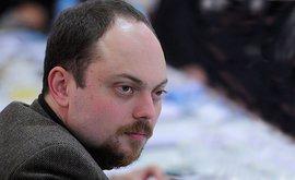 Владимир Кара-Мурза-старший в беседе с журналистом BBC уверенно заявил, что его сына, Владимира Кара-Мурзу-младшего, отравили