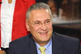 "Немецкого министра затравили за слова о ""чудесном негре"""