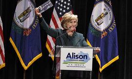 NBC: Хиллари Клинтон потеряла две трети собственных избирателей