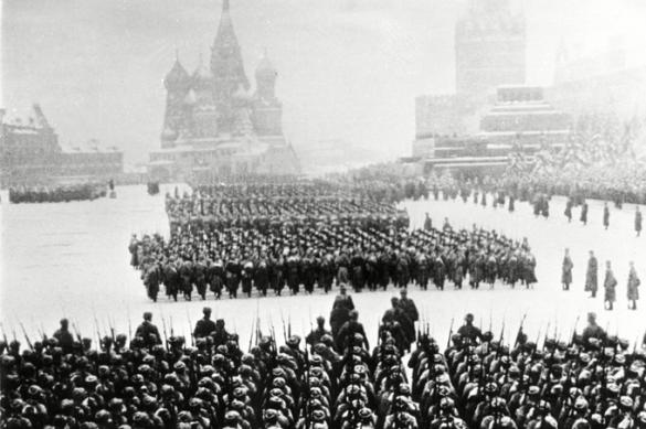 L'anniversaire du défilé militaire sur la place Rouge et l'ironie de l'histoire