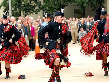 Мужчины в юбках или почему шотландские мужчины носят женскую часть гардероба