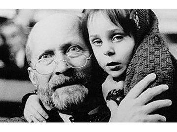 Януш Корчак: бросить нельзя, остаться. Или смерть с детьми в газовой камере