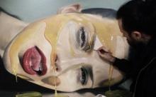 Самые странные направления современного искусства: моча и кровь - краски?