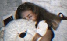 14-летняя россиянка погибла, уронив телефон в ванную