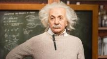 Эйнштейн имел психическое расстройство. Его также не рекомендовали к любой работе