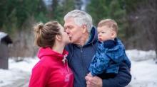 Супруги с 45-летней разницей в возрасте родили ребенка