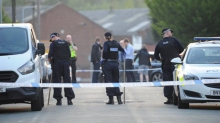В Англии группа мужчин открыла огонь среди бела дня. Они подстрелили 6-летнего ребенка