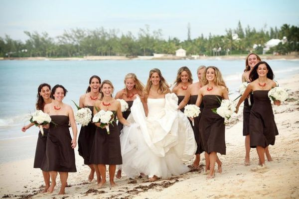Готовимся к свадьбе подруги или что не стоит надевать на торжество