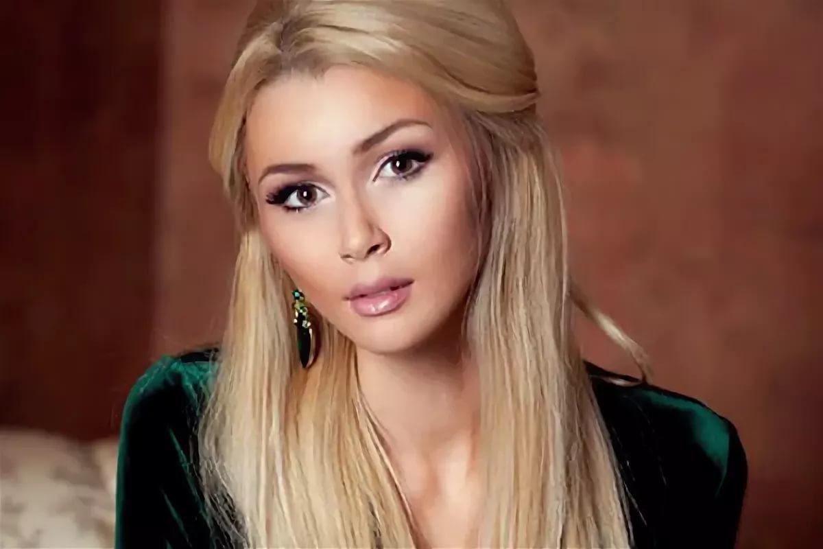 Дочь Анастасии Заворотнюк пожаловалась на назойливость СМИ
