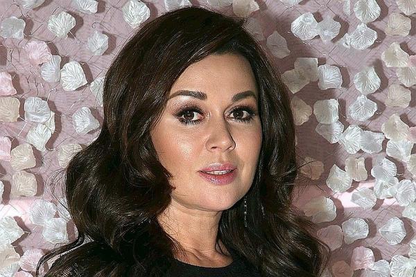 Больной актрисе Анастасии Заворотнюк дали новый шанс