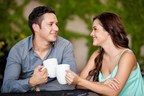 Преимущества женской инициативы при знакомстве с избранником