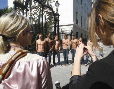 Естественный отбор, Или борьба мужчин за женское тело