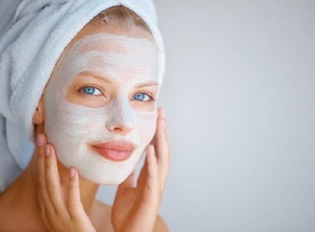 Антивозрастные маски для лица: как сделать их дома