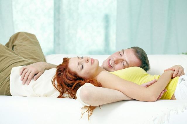 Кому нужнее сон - мужчинам или женщинам?