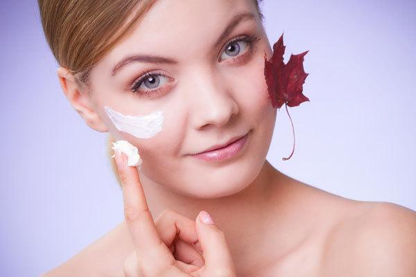 Уход за кожей лица осенью: советы экспертов красоты