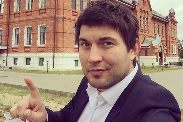 Сын Бари Алибасова убежал, прихватив 20 млн рублей