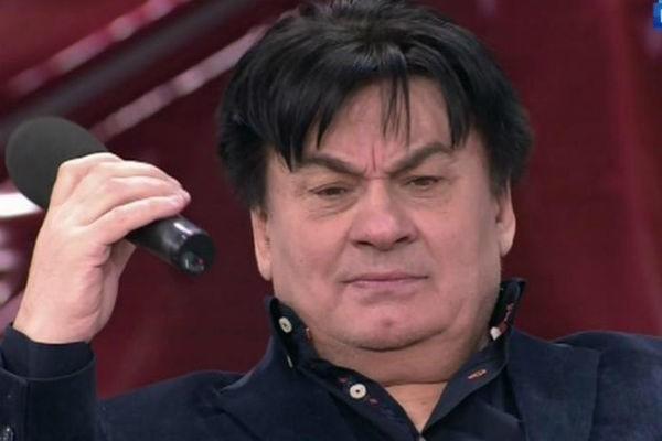 Певец Александр Серов хочет взыскать с ток-шоу