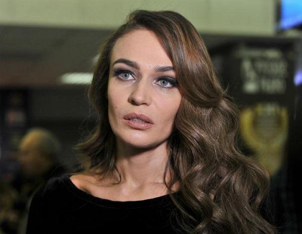 Алёна Водонаева завела себе бойфренда - стюарда