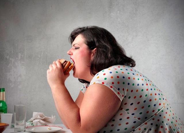 Эмоциональный голод приводит к ожирению