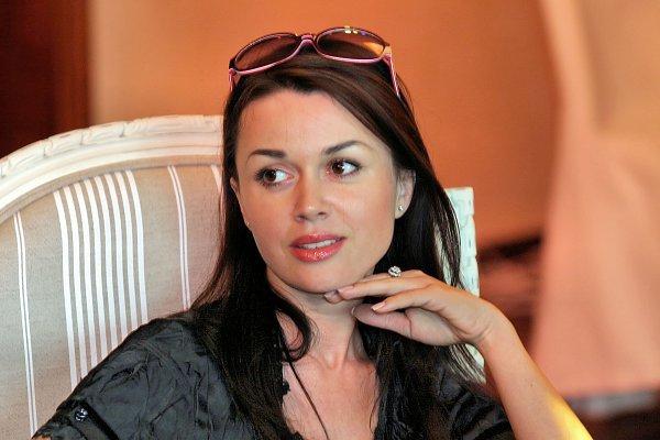 Анастасия Заворотнюк рассчиталась с долгами по ипотеке