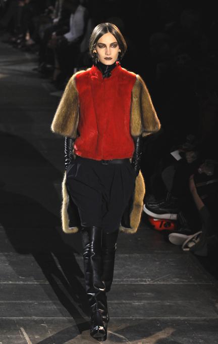 Фетишизм от Givenchy