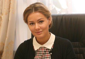 Мария Кожевникова просит совета,какие бриллианты выбрать?