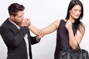 Четыре причины, указывающие на то, что ваш партнер стал чужим человеком