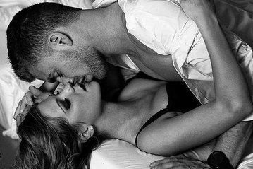 Четыре полезных трюка в постели, или Как удивить своего партнера