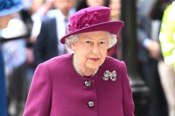 Елизавета II собирается лично обсудить с принцем Гарри его скандальное интервью