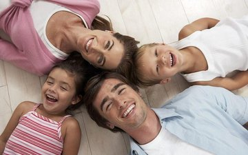 Как наладить эмоциональную связь в семье