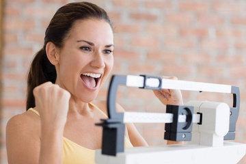 Привычки, которые помогут не толстеть после 30