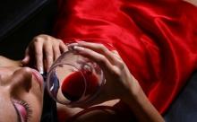 Любительницам красного: что надо знать о цвете любви, страсти и удачи