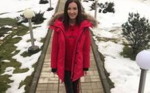 Ольга Бузова погуляла по ночной Москве и окунулась в настоящую новогоднюю сказку