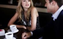 Пять фраз для знакомства с девушкой. Что ей сказать?