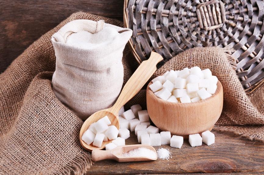 Почему стоит отказаться от сахара?