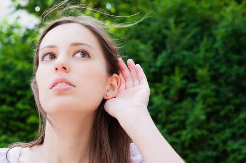 Исследователи назвали причины снижения слуха у молодежи